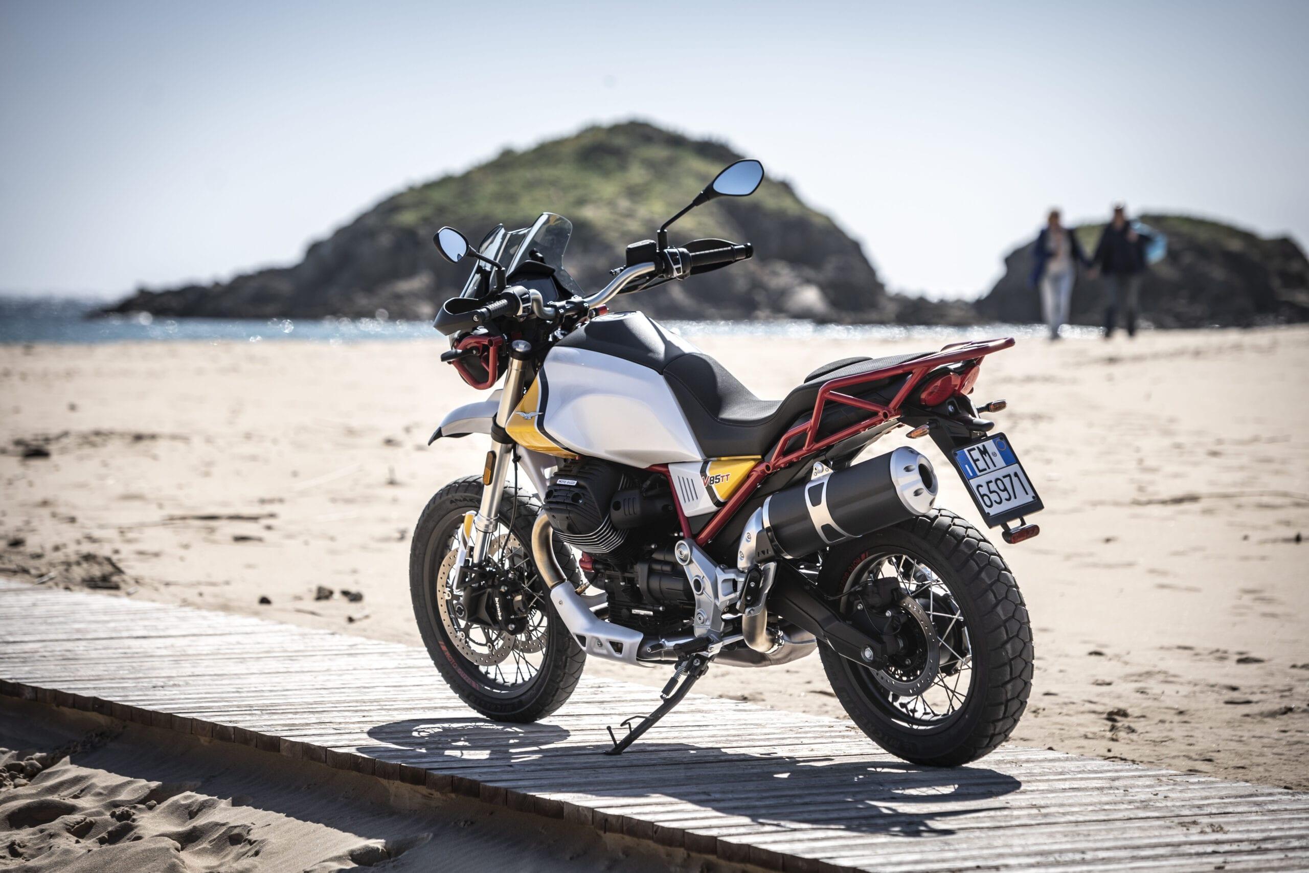 strand moto guzzi